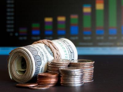 Стоит ли вкладывать деньги в фондовый рынок